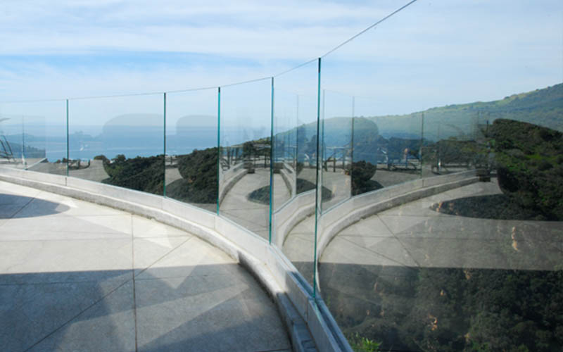 base-shoe-glass-railing