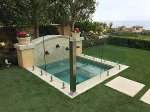glass-fence-hot-tub-spa