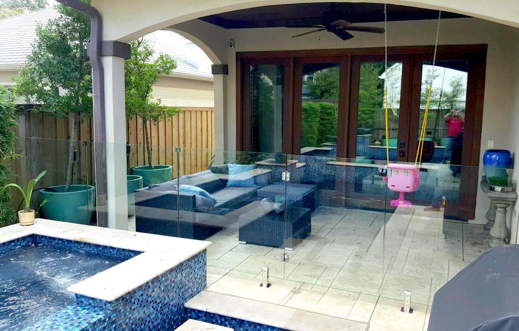 glass pool fence 1