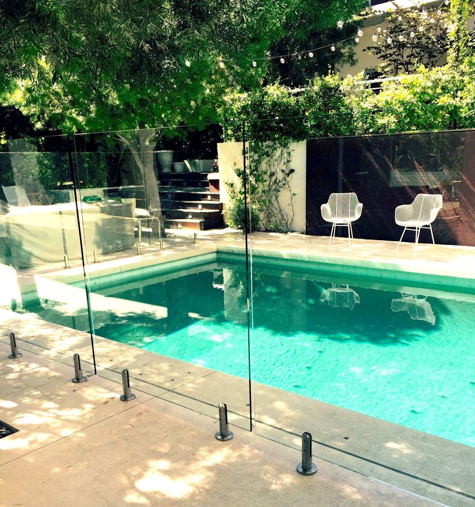 glass pool fence 4