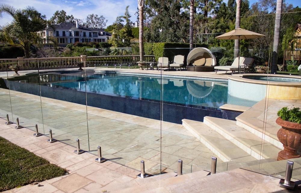 glass pool fence ideas-min