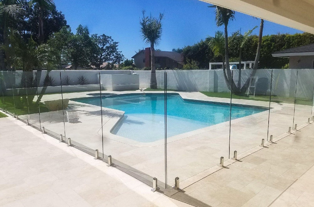 Glass Pool Fencing Vs Mesh Pool Fencing Aquaview