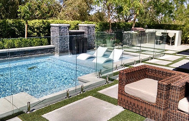 glass pool fences 6-min