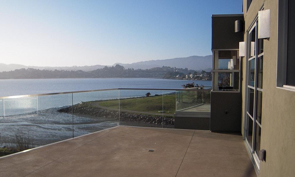 glass railing 2-min