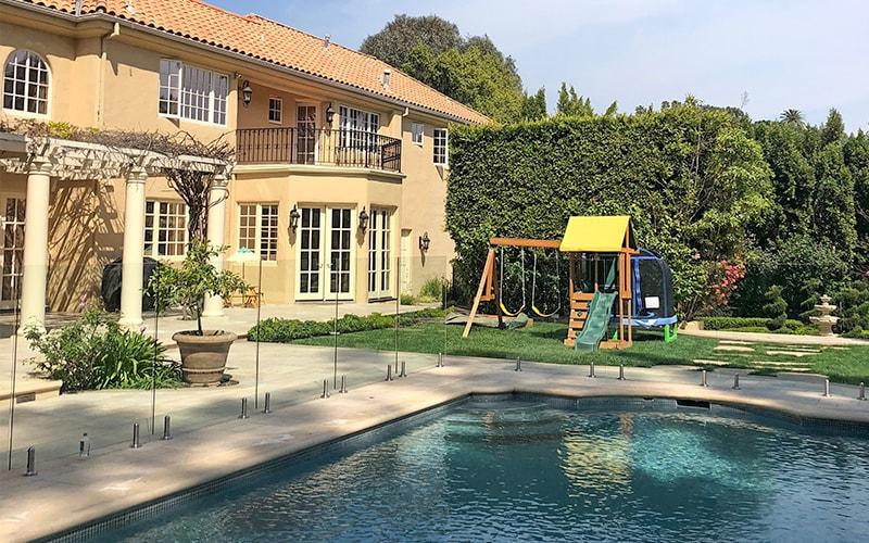 pool fencing 1-min