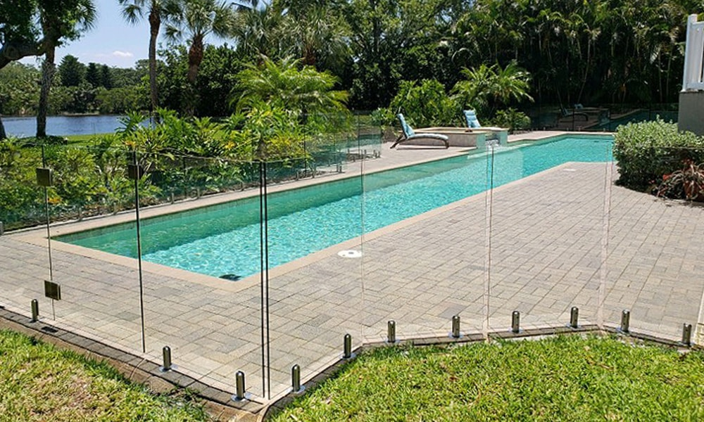 , Summer Spotlight: 10 Glass Pool Fence Ideas to Inspire
